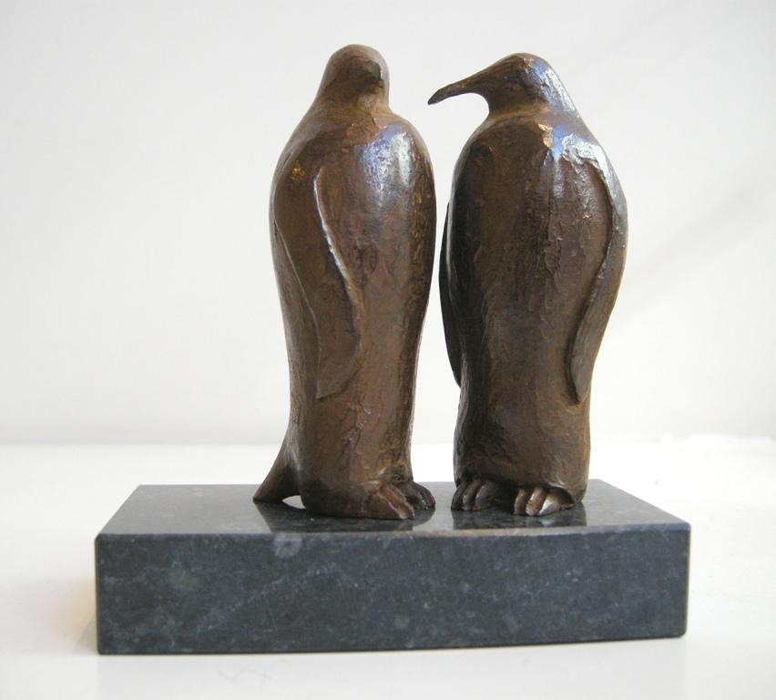 Loek prins  pinguins  brons   hoogte 10 cm. oplage 8 e.  575 00