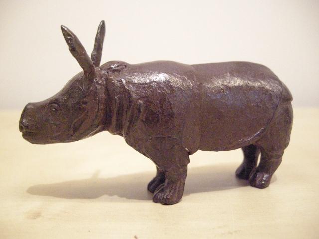 Loek prins  rhinootje  brons   hoogte 5 5 cm. oplage 8%28640x480%29