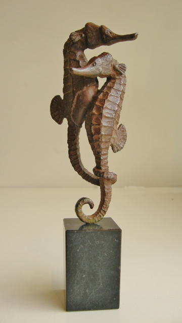Loek prins  zeepaar  brons hoog 21 cm. e. 630 00 %28360x640%29