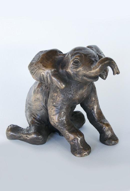 Fiona zondervan  jonge afrikaanse olifant  brons  11cm hoog  650 00