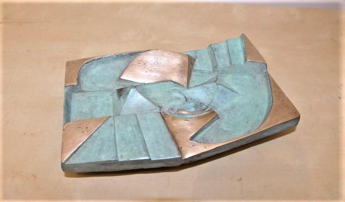 Marina van der kooi  landscape yang  brons  4 5 x 21 x 14 cm.  e. 750 00