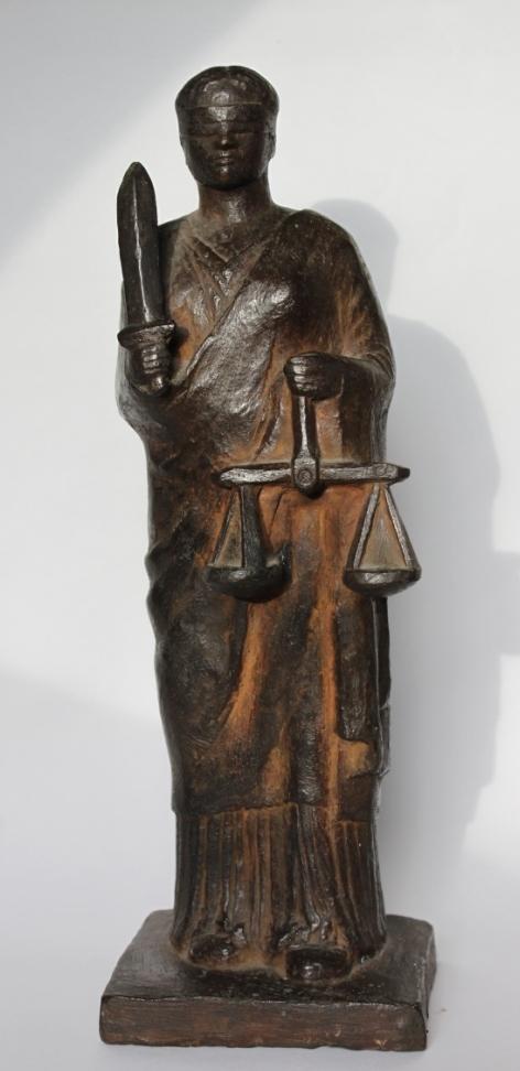 Gerry van der velden  vrouwe justitia  brons  hoog 30 cm.