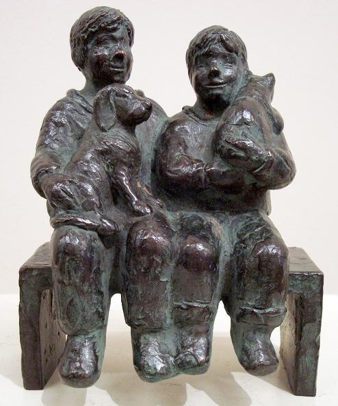 Karin beek  maatjes ii  kinders met hond en poes  brons  16 x 13 x 9 cm. e. 900 00