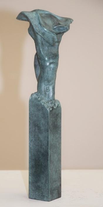 Eppe de haan  unitas ii  brons  achterzijde  oplage 10  hoog 30 cm. %e2%82%ac 1750 00