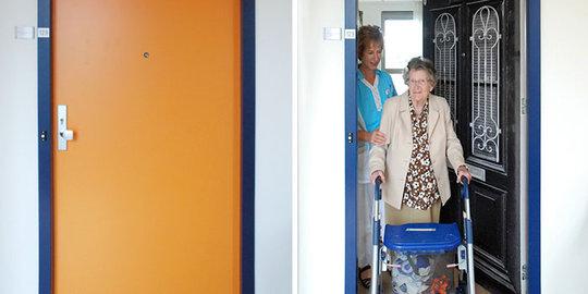 Perusahaan ini tiru pintu rumah lansia agar betah di panti jompo | merdeka.com