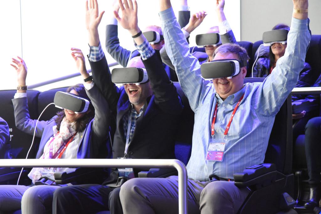 Demonstrasjon av Samsung Gear VR på MWC i Barcelona. Foto: Mikael Lunde