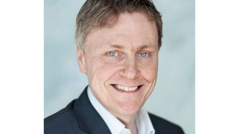 Bjørn Taale Sandberg, teknologidirektør i Telenor spår fem store teknotrender i 2017 – og denne gangen er ikke VR med på lista.