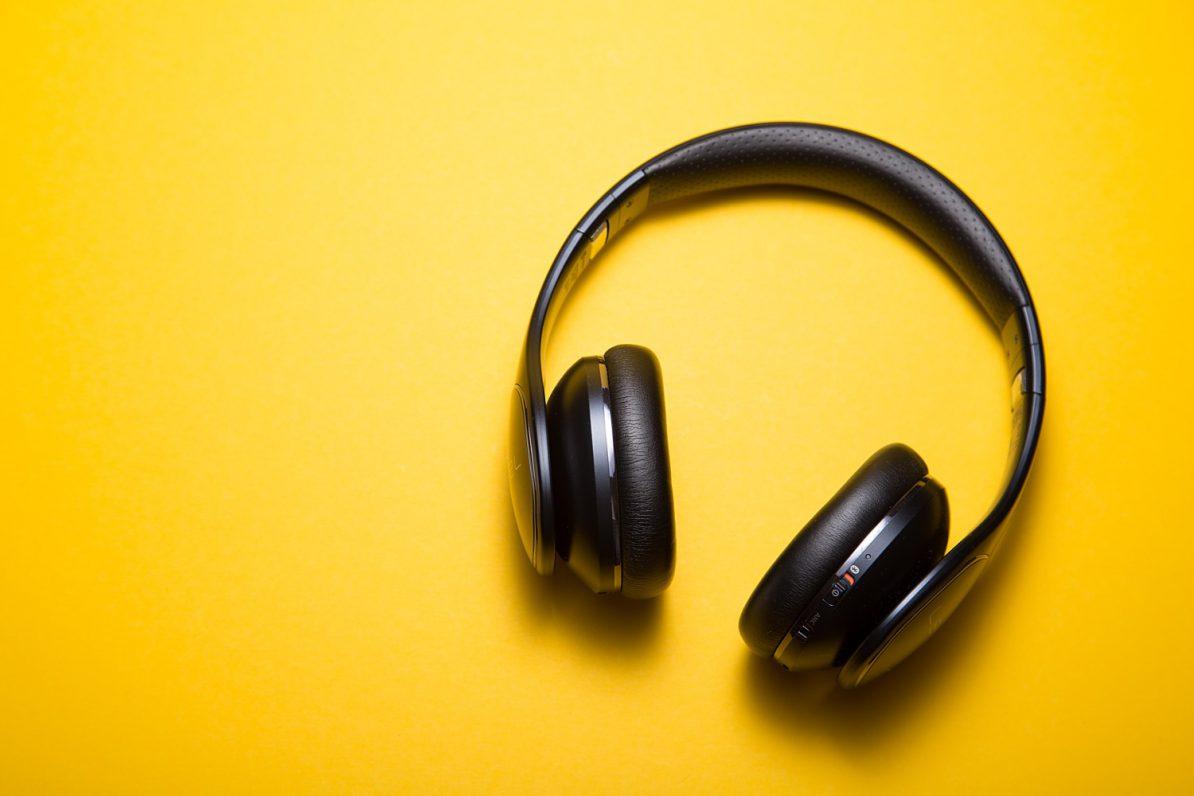 Symbolbild: kabellose Kopfhörer. Foto: Malte Wingen/Unsplash