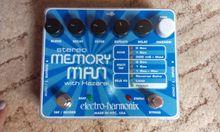 Electro-Harmonix  Memory Man Stereo with Hazarai  синій