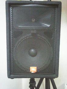JBL  JRX 112M 2000 черный озит