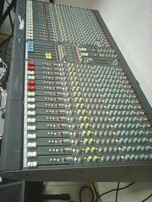 Allen & Heath GL-2200/32 2008