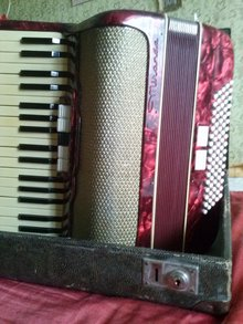 Miranda аккордеон 1961 бордовый
