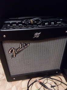 Fender Mustang 1  Черный