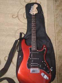 Fender s/nIcs13004703 2014 red