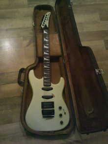 Epiphone by Gibson Стратокастер 1985 белый жемчуг