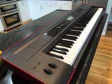 KORG  KROSS-88  черно-красный