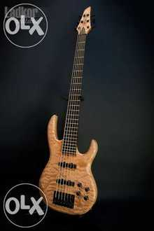 Carvin LB76 A USA 6 String Bass