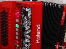 Roland FR-18  красный