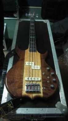 Kramer DMZ 6000B vintage bass
