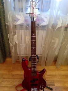 Ibanez GSR 200  красный