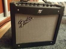 Fender Mustang I v2 2015 Черный