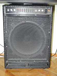 Fender BXR 200.