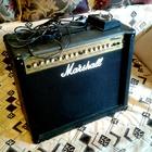 Marshall MG 100 DFX  черный/золотой