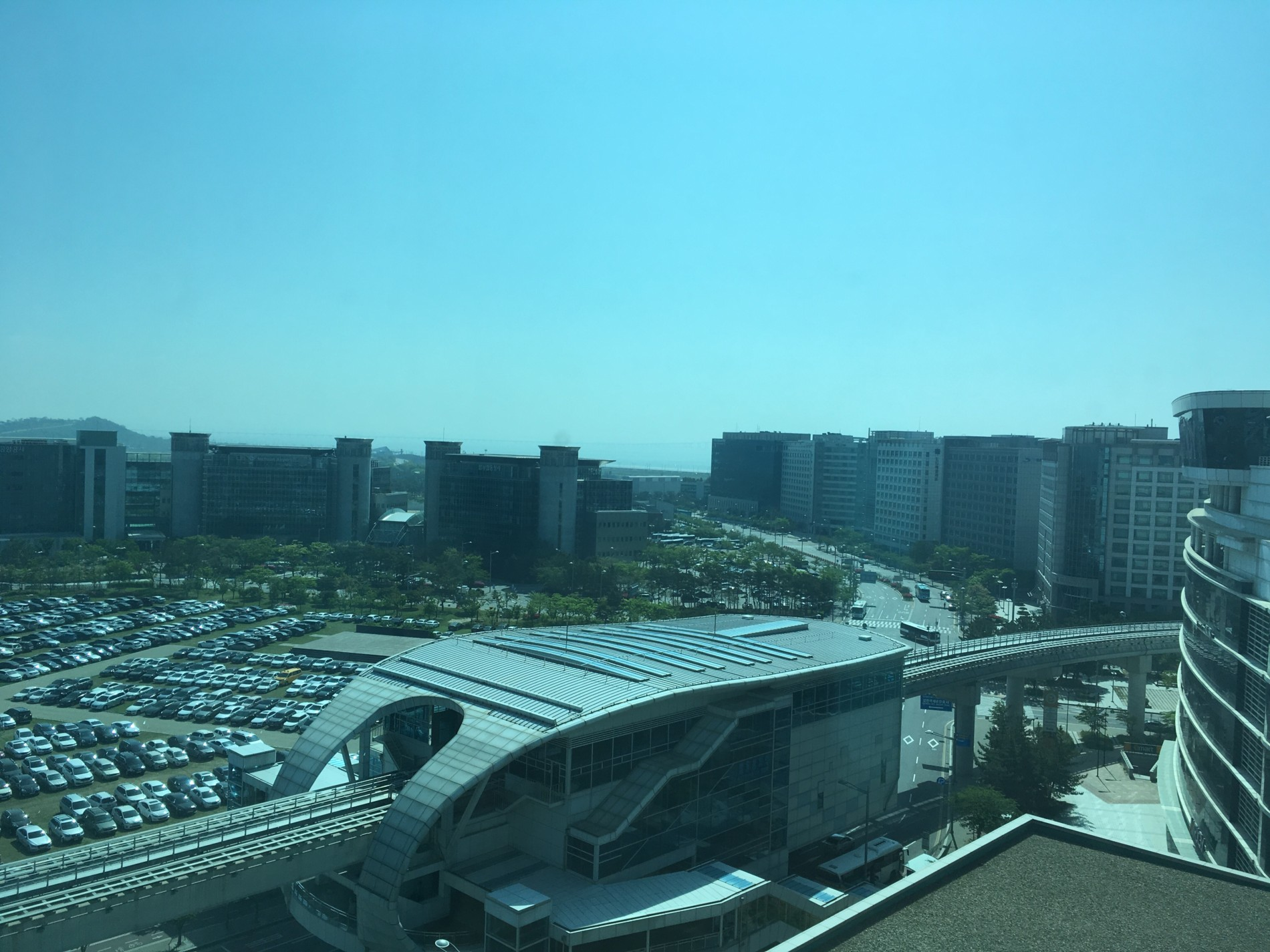 pohled z hotelového okna