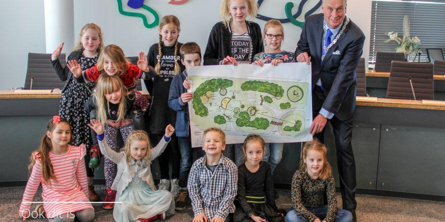 Leerlingen Geert Holle school ontwerpen eigen natuurspeeltuin