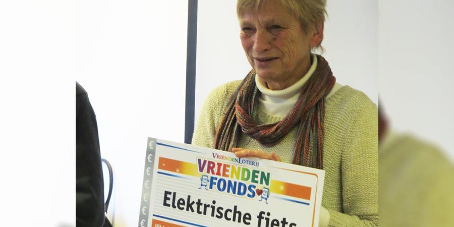 Vrijwilliger Ellen uit Hoorn verrast met elektrische fiets