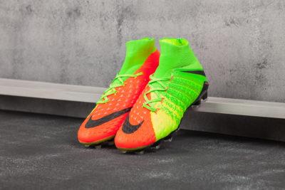 Футбольная обувь NIke Hypervenom Phantom III FG