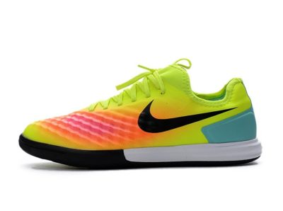 Футбольная обувь Nike MagistaX Finale II IC