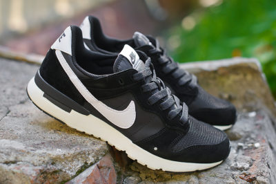 Кроссовки Nike Archive 83