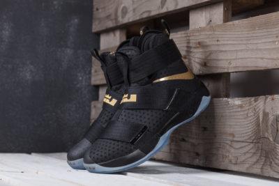 Кроссовки Nike Lebron Soldier 10