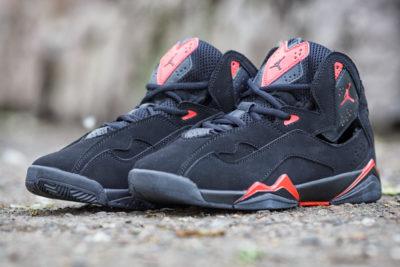 Кроссовки Nike Air Jordan 7