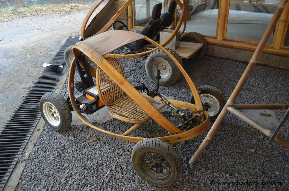 Go-Kart-mit-Bambusfahrgestell-Green-School-Bali