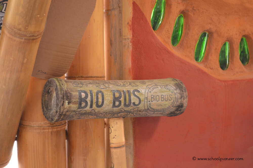 Innovatives-Schülerprojekt-Bio-Bus-Green-School-Bali