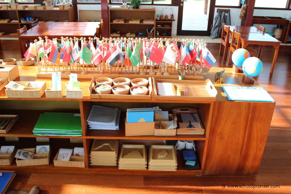 Material-als-Basis-des-Unterrichts-Montessori-School-Bali