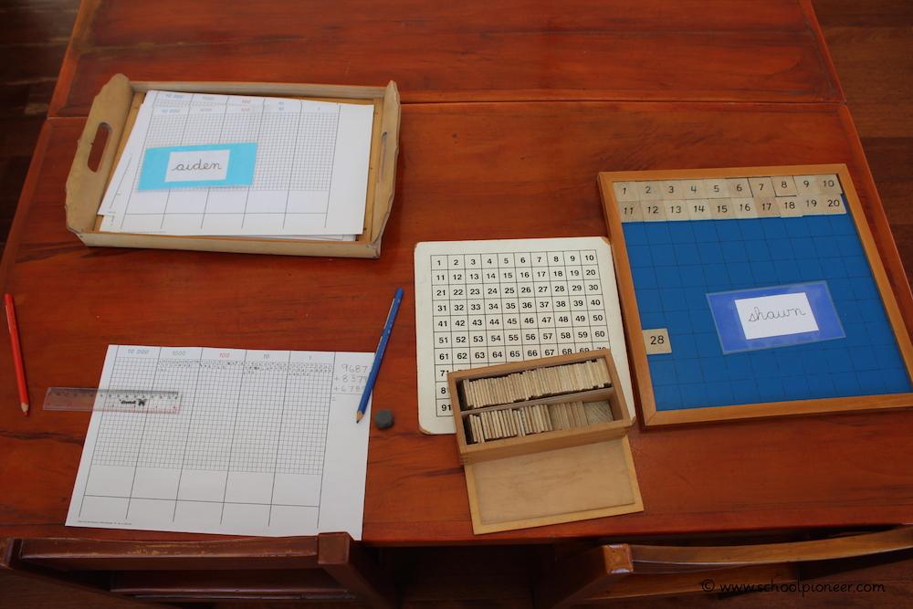 Individuelles-Lernen-im-Rahmen-der-Freiarbeit-Montessori-School-Bali