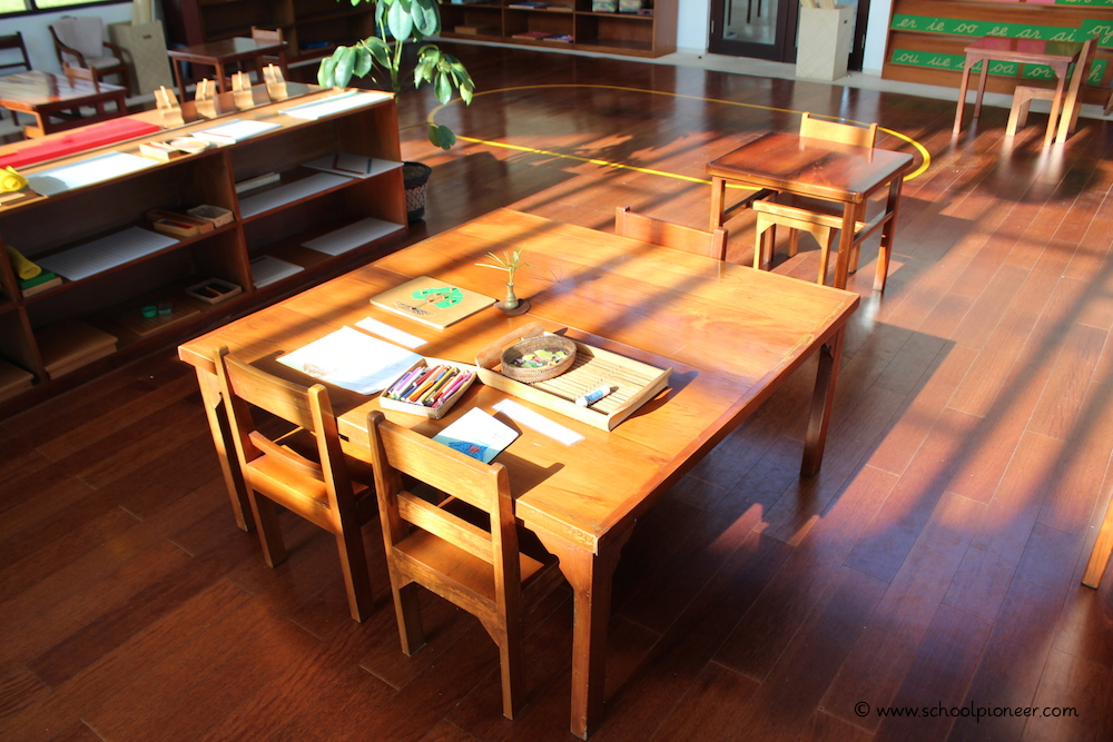 Entpsannte-Atmosphäre-Unterricht-Montessori-School-Bali