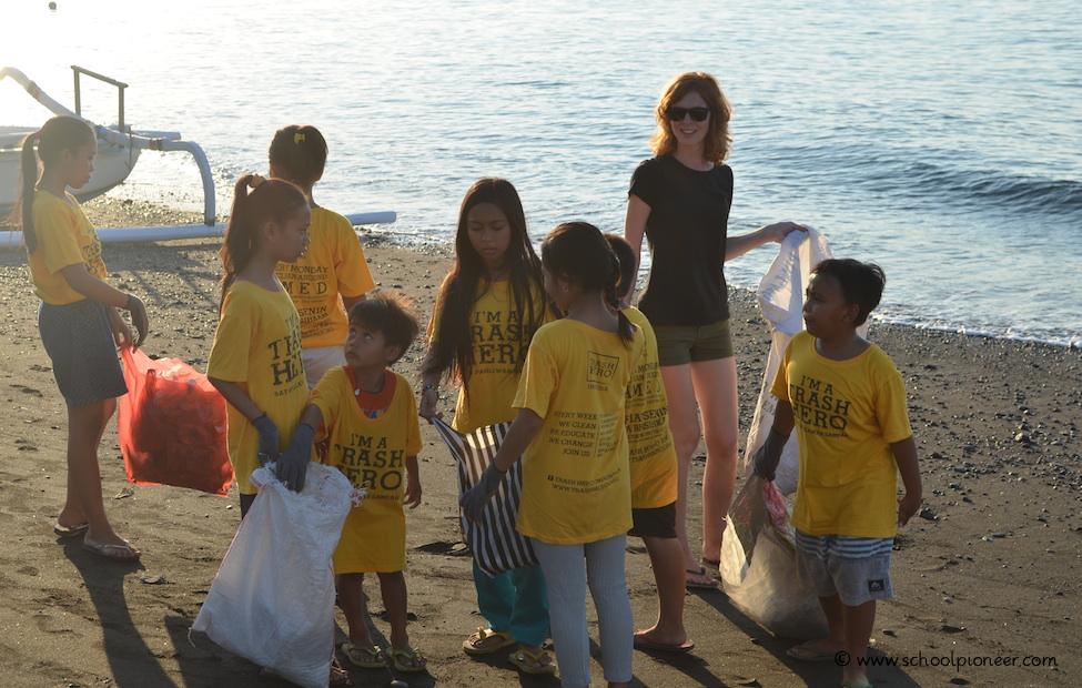 Müll-sammeln-Spaß-Trash-Heroes-Amed-Bali