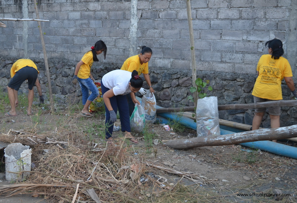 Erwachsene-als-Vorbilder-Trash-Heroes-Amed-Bali