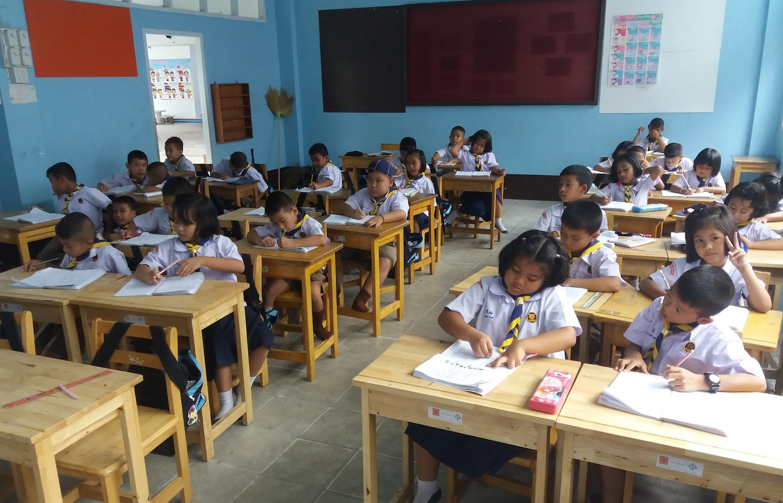 Thailand-Thai-Grundschule-Prathom-1-Wat-Lamai