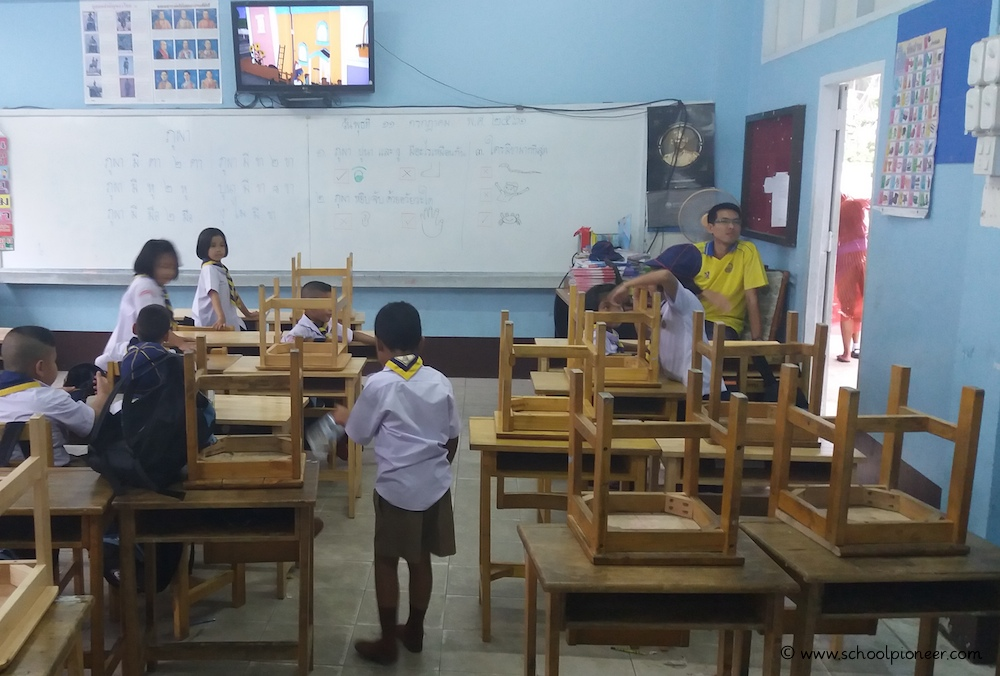 Schulschluss-Grundschule-Thailand