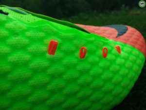 provázky kopaček Nike Hypervenom Phelon 3