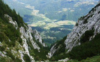 Piatra Craiului prin Valea Crăpăturii şi Padina Hotarelor