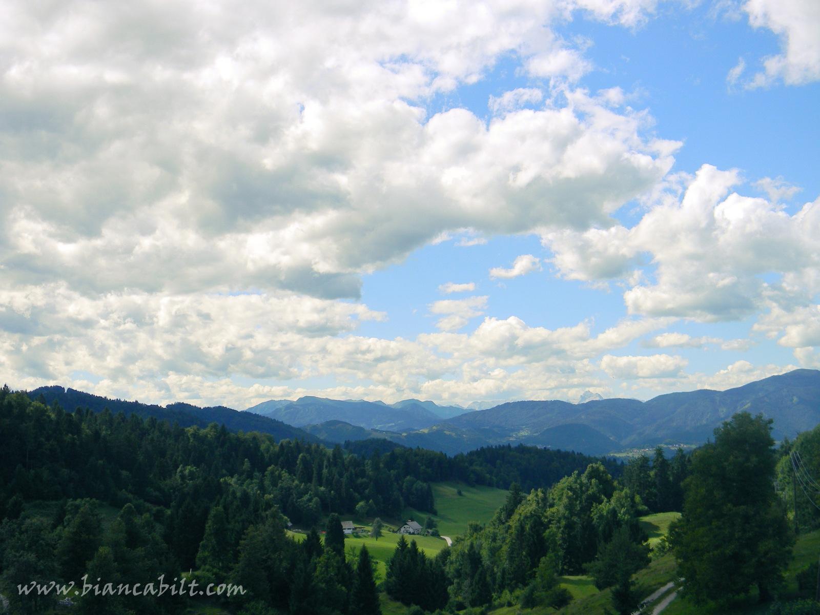 În ultima zi am avut parte de niște peisaje care aduceau foarte mult cu Munții Apuseni.