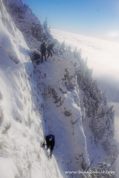 Haideți alpiniștii!
