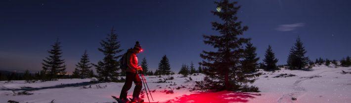 Schi sub luna plină albastră sângerie pe Pietrele Mărunte (Munții Apuseni)