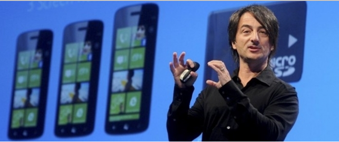 Joe Belfiore de iPhone Kullanıyor